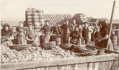 Preparing to process a new batch of herring in 1907