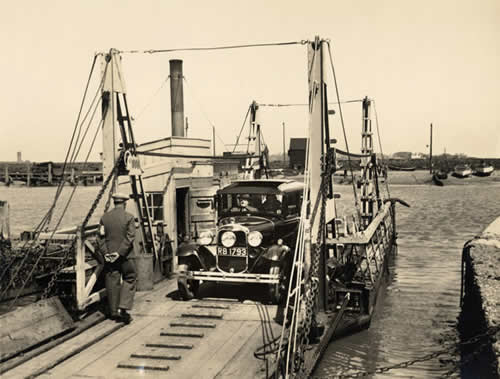Steam-powered pontoon ferry