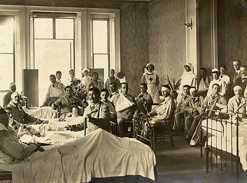 Henham Hall was taken over by the Red Cross as a recovery unit for wounded men